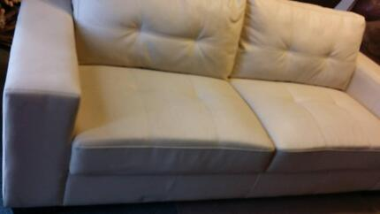Cream Leather Couch Sofa Armchair Bairnsdale East Gippsland Preview