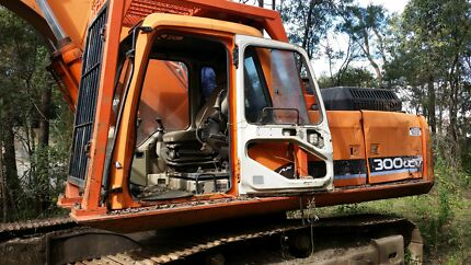 DAEWOO LCV 300  30 TON Excavator Kingsholme Gold Coast North Preview