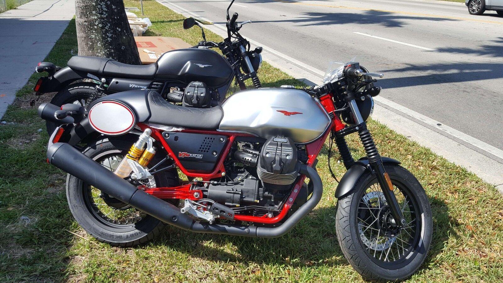 2017 Moto Guzzi V7 III Racer  2017 Moto Guzzi V7 III Racer