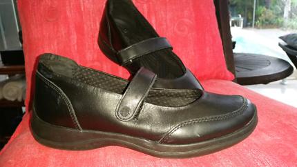 Crocs ladies shoes