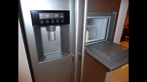 STAINLESS STEEL LG FRIDGE/FREEZER 500L GREAT CONDITION Eight Mile Plains Brisbane South West Preview