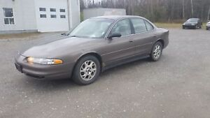 OLDSMOBILE INTRIGUE 2001+ABORDABLE+AUTOMATIQUE+ESPACE++ GX