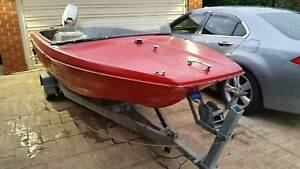 Fibreglass 15ft Evinrude speed boat. Unwanted project. Castle Hill The Hills District Preview