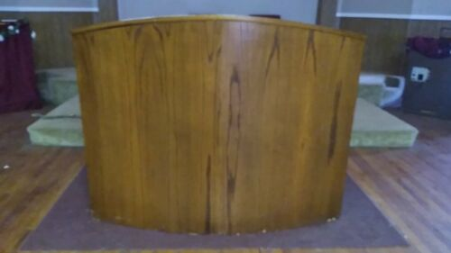 Large Wooden Pulpit/Podium/Lectern/Reception For Church/School/Reception