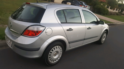 2003 holden astra cd auto with rwc rego cars vans utes cheap 2005 holden astra cd 133kms 119 rego and current rwc fandeluxe Images