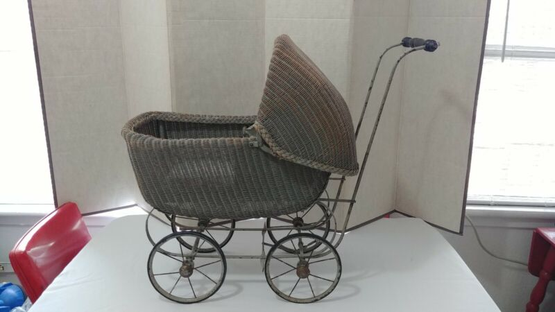 Rare Antique Vintage Wicker Metal Baby Buggy/Stroller/Carriage!