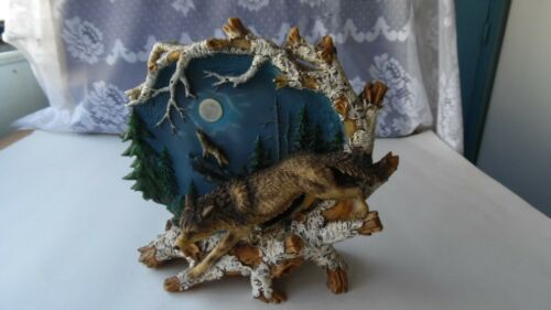 RESIN WOLF SCULPTURE FIGURINE W/ FIGURAL WOLF-WOLF HEAD-BRANCHES-MOON