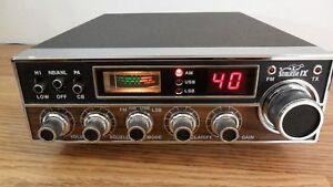 TEABERRY STALKER IX-DX AM FM SSB 40 CHANNEL CB RADIO WITH BOX AND MANUAL
