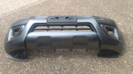 NP300 grey bumper from STX