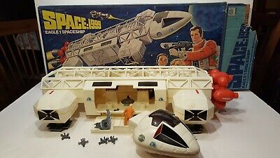 VINTAGE 1976 MATTEL SPACE 1999 EAGLE ONE 1 SPACE SHIP not complete