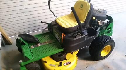 John Deere z235 zero turn mower