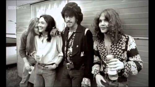"THIN LIZZY! -Phil Lynott rare 8x10"" photo!! Too cool!!🍀"