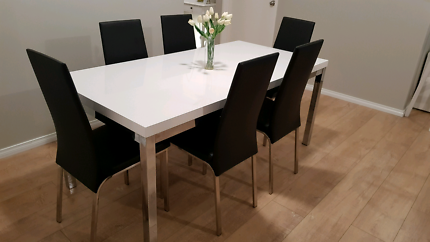 White Gloss Dining Table and 6 Black Chairs RRP $2000