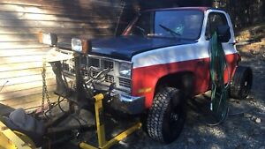 Square body plow truck