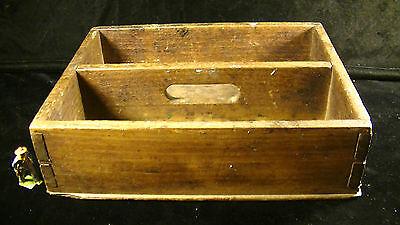 Walnut Wood Cutlery Tray w. Handle & Hand Cut Dovetails, 19th Cent. Americana