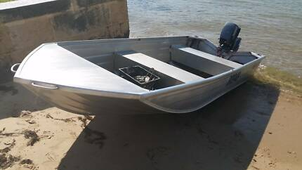 Quintrex Traveller 370 Dinghy and 9.9hp Johnson $1750