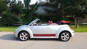 2009 Volkswagen New Beetle Convertible Silver-Red Edition SHARPE