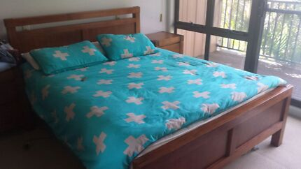 Queen bedroom setting Yowie Bay Sutherland Area Preview