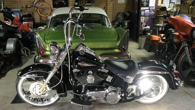 Harley Davidson Heritage Softail Vicla Style Valiant