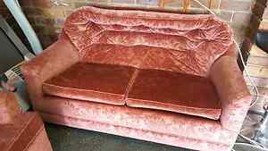 1920s Vintage Suite Lounge Sofa 2 seat + 1 seat armchair Runcorn Brisbane South West Preview