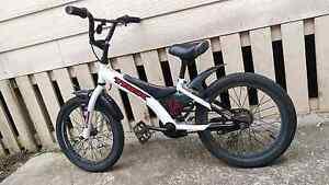 TREK 16' KIDS BMX BIKE stunt park bike Lennox Head Ballina Area Preview