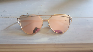 Woman's Sunglasses Mayfield West Newcastle Area Preview