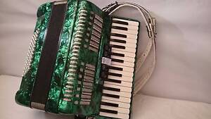 piano accordion paloma 60 bass emerald green Epping Whittlesea Area Preview