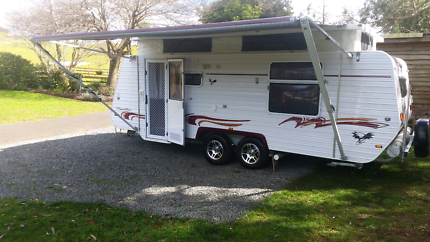Golden Eagle 2010 family van Must Sell price drop all offers cons
