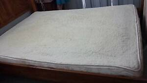 Waveless Waterbed in excellent condition..Wool top Mattress cover Tiwi Darwin City Preview