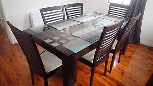 Nick Scali Dining table and chairs. Everton Park Brisbane North West Preview