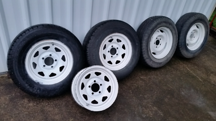 """Ford falcon 14""""x6"""" rims and tyres"""
