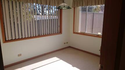 3 Rooms Available for Rent near Thornleigh/Pennant Hills Station Thornleigh Hornsby Area Preview
