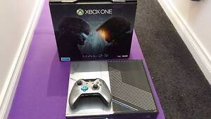 XBOX ONE HALO 5 CONSOLE 1TB  W/ GAMES AND EXTRAS! Oakleigh Monash Area Preview