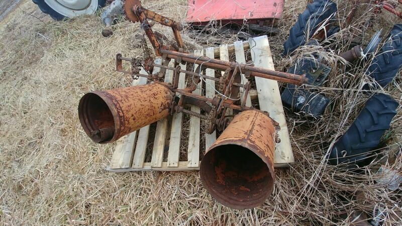 Allis Chalmers G Corn Planter fertilizer attachment rare