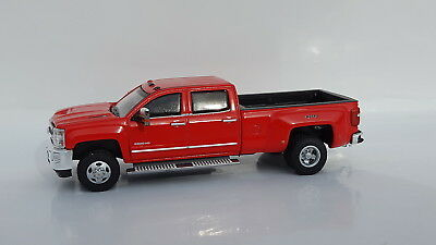 1:64 GreenLight *RED* 2018 Chevrolet Silverado 3500 HD DURAMAX DUALLY Pickup NIP