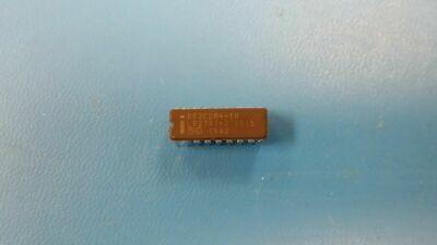 1 Pc D82c284-10 Intel 20mhz Proc Specific Clock Generator Cdip18