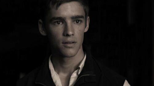The Giver - Brenton Thwaites Movie Screen Worn Hero Costumes / COA