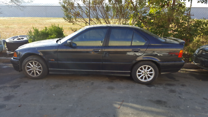 BMW 320i E36 1994  Wrecking Now.Our stock no.06BMC134 East Albury Albury Area Preview
