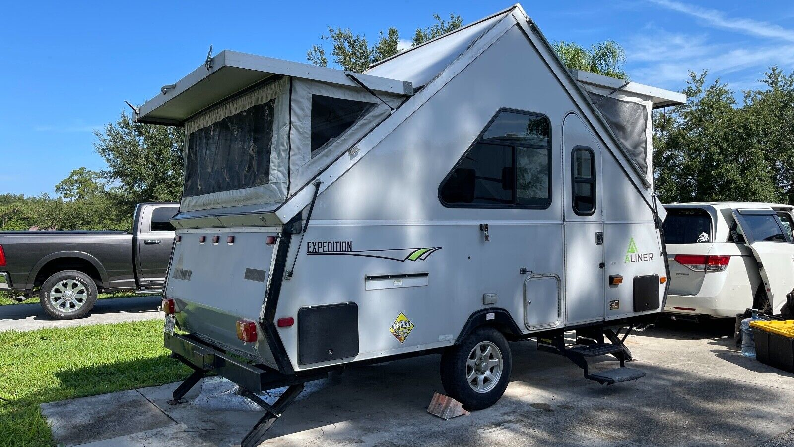 2015 ALINER Expedition Folding Trailer with A/C and Toilet