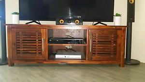 Timber tv unit, Bonogin Gold Coast South Preview