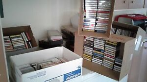 Approx. 525 Classical music cassette tapes