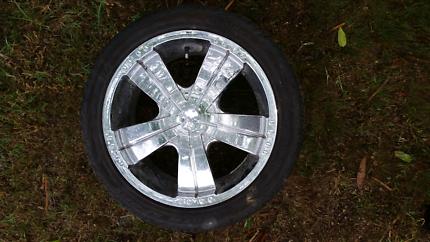 17in chrome multistud wheels