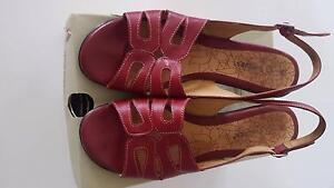 """Hush Puppies """"Star"""" red (rosso) leather sandal, size 11/42 Westmead Parramatta Area Preview"""