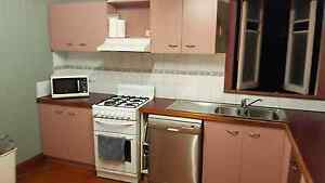 Free Kitchen and appliances Ipswich Ipswich City Preview