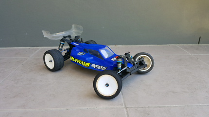 TEAM ASSOCIATED B6D ROLLER *GREAT CONDITION*