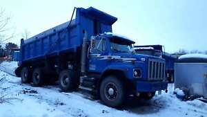 1990 International 2674 Tri Axle