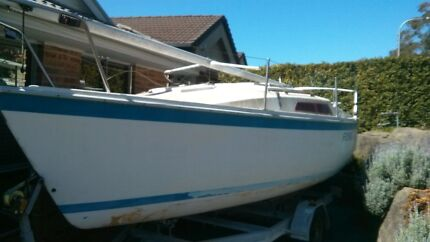 Cole 19 Trailer Sailer. Trailer yacht Warabrook Newcastle Area Preview