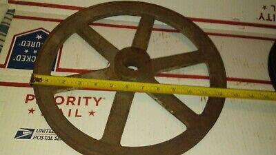 Vintage Cast Iron Pulley Key 58 Belt 1 14 C.h. 12 34 Od Old Farm Tool