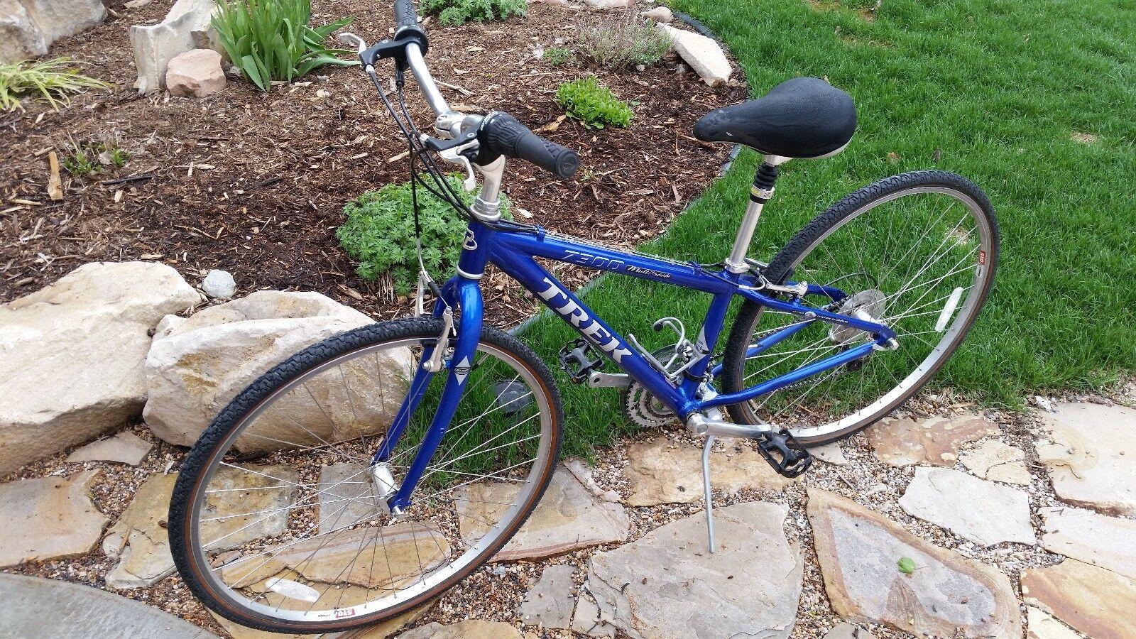 """Trek Multitrack 7300 Fitness Hybrid Bike, Blue, 13"""" frame, 700c wheels."""