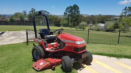 Massey Ferguson GC2300 Compact Tractor 24hp 4x4 with Attachments